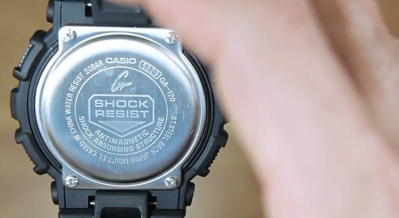 Sebagai informasi untuk jam tangan casio yang beredar secara resmi di  indonesia umumnya terdiri dari jam tangan buatan ( cased ) China dan  Thailand. 2b43fbbcbd
